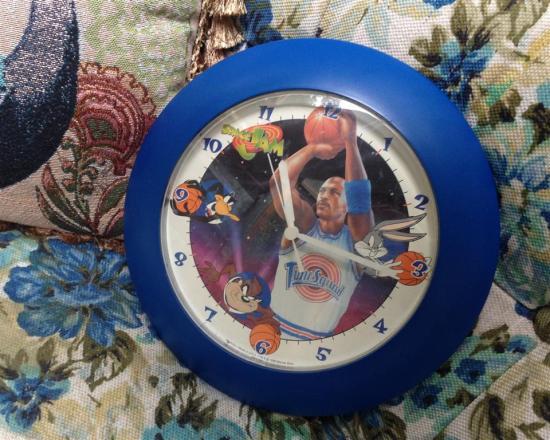 space-jam-clock