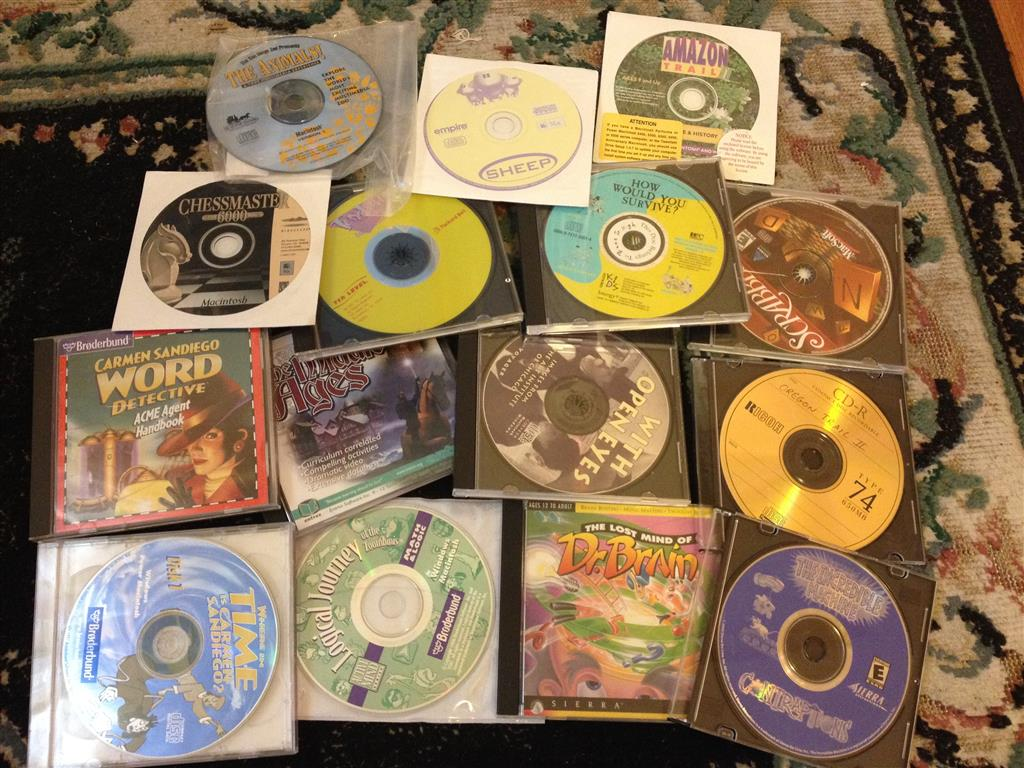 A MYSTERY BOX OF OLD MAC SOFTWARE! | Yardsaling to Adventure!