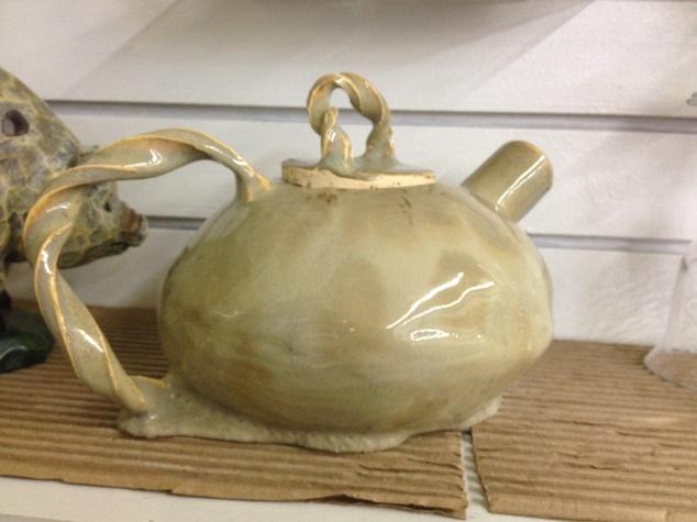 deformed-teapot