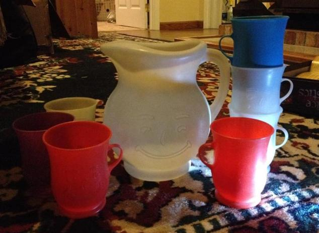 vintage-kool-aid-pitcher-and-cups