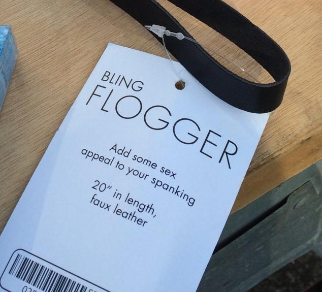 bling-flogger-closeup