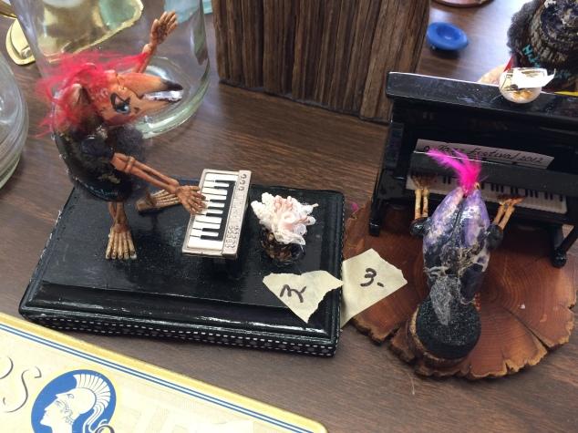 crab-piano-players