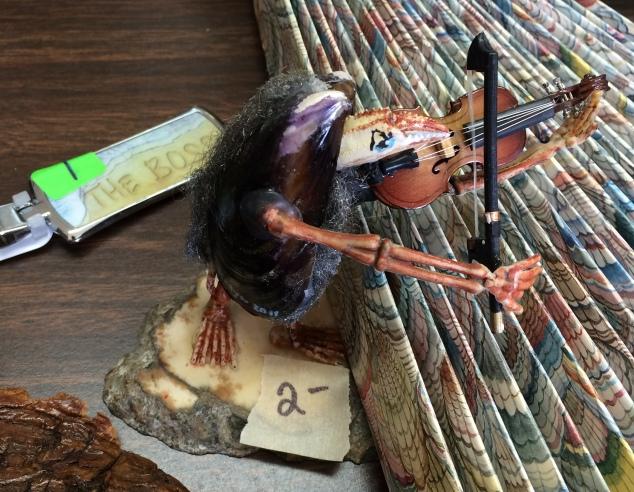 crab-violinist
